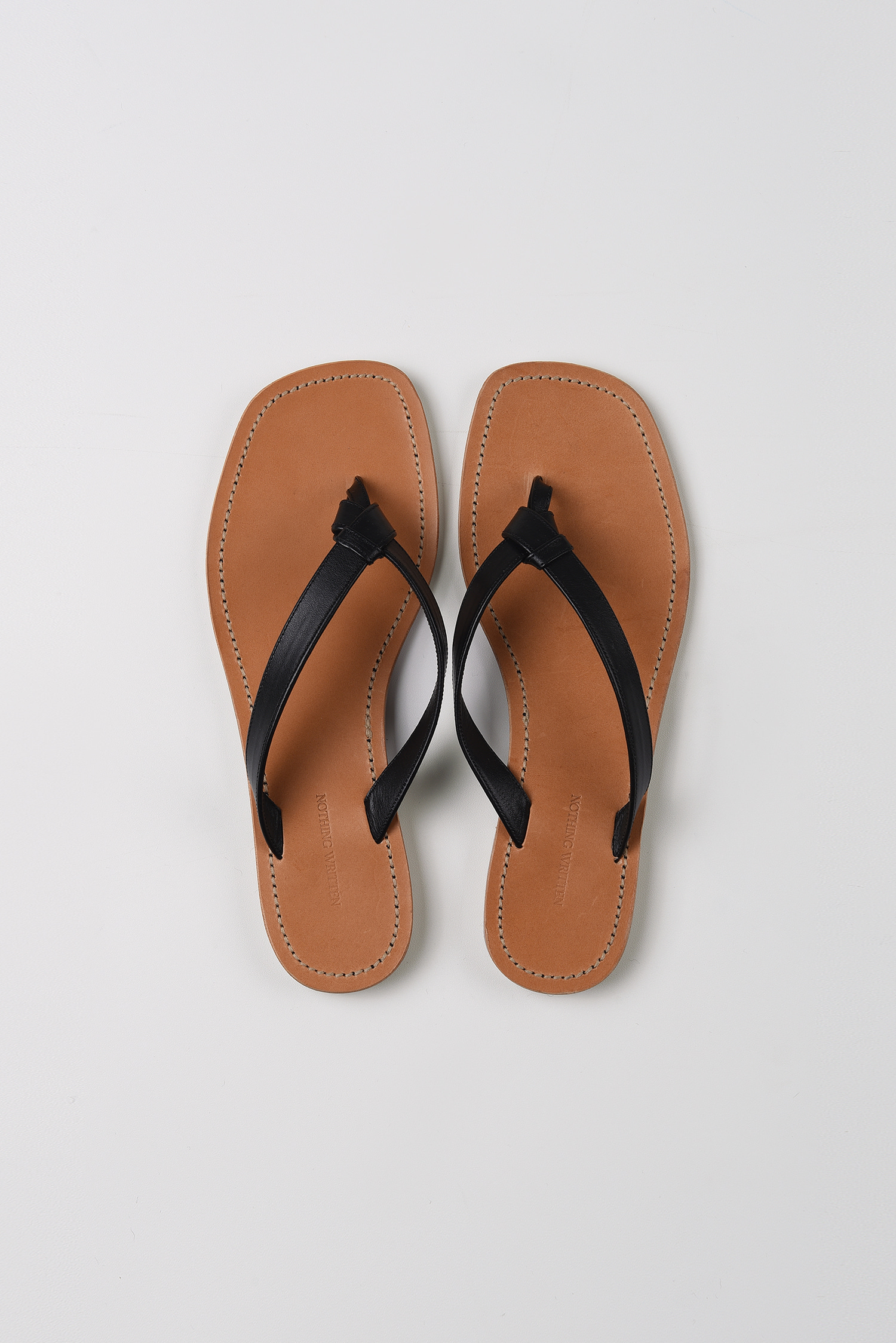 Knotted leather slides (black)