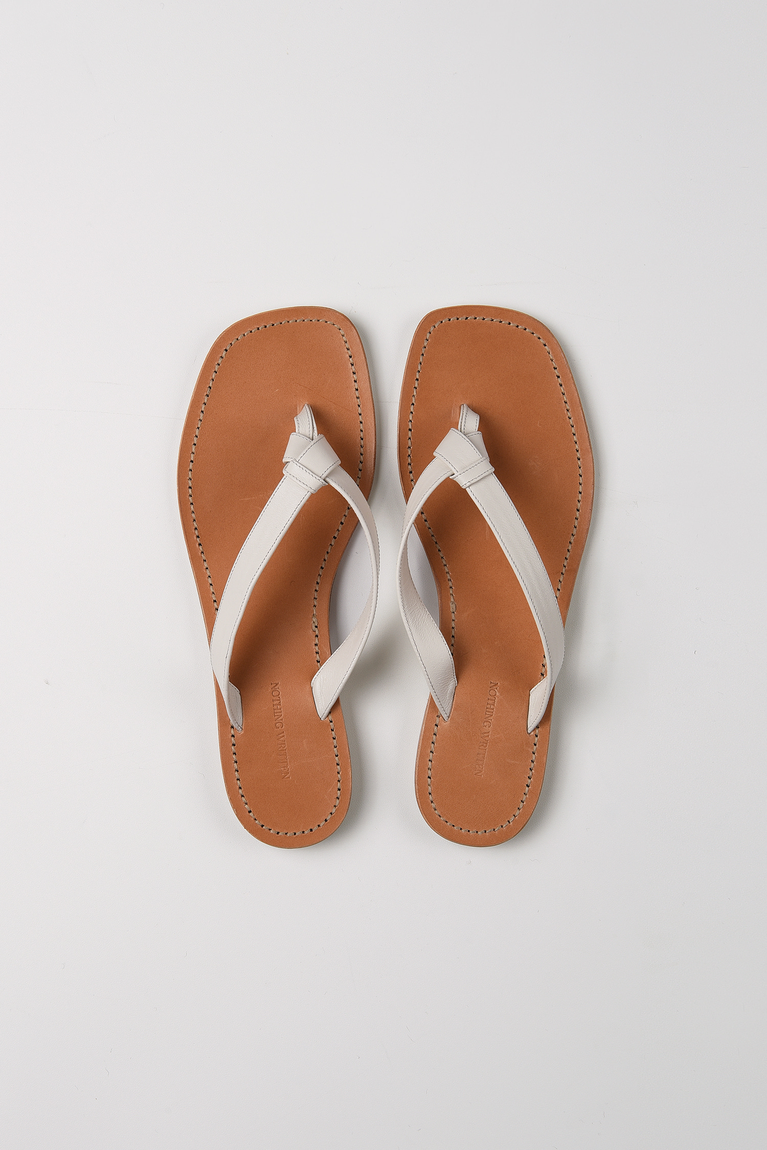 Knotted leather slides (ivory)